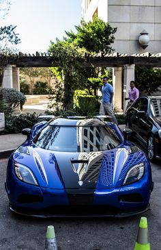 The Ford GT first captured the hearts and minds of many drivers around the world in the A mid-engine, two-seater sports car produced by Ford Koenigsegg, Exotic Sports Cars, Exotic Cars, My Dream Car, Dream Cars, Ford Gt, Car Manufacturers, Hot Cars, Motor Car