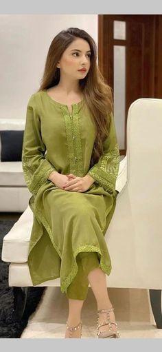 Pakistani Fashion Party Wear, Pakistani Outfits, Muslim Fashion, Fancy Dress Design, Stylish Dress Designs, Simple Pakistani Dresses, Pakistani Dress Design, Sleeves Designs For Dresses, Dress Neck Designs
