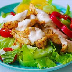 Kycklingsallad till middag 😍 känns rimligt när vågen står på 90 kg 😅 #kämpa