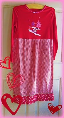 Girls nightgown from an old tshirt and pillowcase...gonna do this soon!!! L will LOVE this!! (Oh, and use a tank top for summer!!)