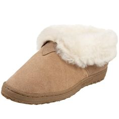 Old Friend Women's 441120 Slipper, Chestnut, 8 M US: Features flip-up sides and a skid resistant TPR bottom. Winter Slippers, Cute Slippers, Old Friend Slippers, Skinny Dress Pants, Cotton House, Fashion Slippers, Sheepskin Slippers, Leather Slippers, Slipper Socks