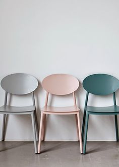Awesome Walker dining chair in dusty pink from House Doctor. Combine this chair with your favorite House Doctor furniture. House Doctor, Chair Design, Furniture Design, Painted Furniture, Furniture Chairs, Painted Chairs, Metal Chairs, Interior Inspiration, Design Inspiration