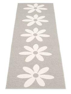 Vloerkleed Lilo 70x250cm warm grey #rugs #flowers #grey #bloemen