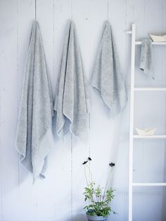 Lace Trim Cotton Towels - glacier grey