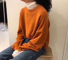 Korean Fashion Tips .Korean Fashion Tips Aesthetic Fashion, Aesthetic Clothes, Look Fashion, 90s Fashion, Korean Fashion, Fashion Outfits, Fashion Tips, Book Aesthetic, Girl Fashion
