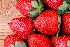 SPRING SALAD WITH STRAWBERRY AND AVOCADO http://juliannehough.com/spring-salad-with-strawberry-avocado/