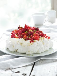 Pavlova, Cheesecake, Food And Drink, Sweet, Desserts, Drinks, Candy, Tailgate Desserts, Drinking