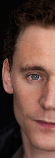 Holy huge Hiddles picture! There needs to be more of these. :)
