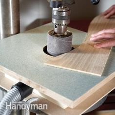 Building a Drum Sander Table Improvise a low-cost drum sander using your drill press and a custom sanding table with dust collection. Build it in an hour from scrap wood. Woodworking Jigs, Woodworking Projects, Carpentry, Drill Press Table, Homemade Tools, Wood Tools, Dust Collection, Wood Crafts, Wood Projects