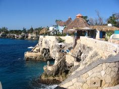 This is the Caves in Negril in Western Jamaica WI.