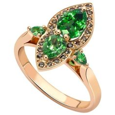 Preowned Ana De Costa Gold Tsavorite And Cognac Diamond Ring ($5,438) ❤ liked on Polyvore featuring jewelry, rings, cluster rings, multiple, flower cluster ring, gold fine jewelry, gold diamond rings, yellow gold diamond rings and antique rings