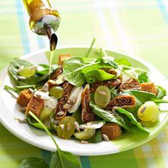 Salade fruitée, épinards et chèvre frais