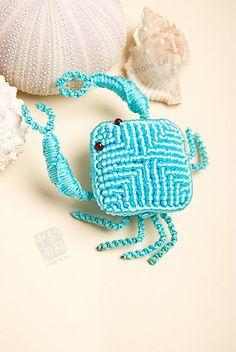 macrame crab