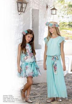 CEREMONIA ARTESANÍA AMAYA 2017      Para realizar tus compras entra en nuestra tienda online www.anabelmoda.com   ¡Hacemos envíos a ... Fashion Kids, Young Fashion, Little Girl Fashion, Toddler Fashion, Cute Outfits For Kids, Girly Outfits, Cute Girls, Baby Girl Dresses, Baby Dress