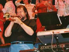 Pulstar van Vangelis Door James Last. Gebruikt als openingsnummer  bij live concerten