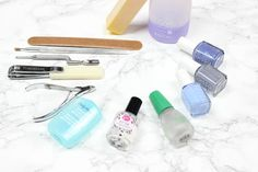 I haven't gotten my nails done at a salon in over a year and my nails look 1,000x better. Here's how to get an at home manicure that lasts like gels!
