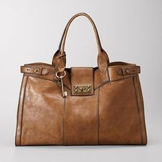 Fossil VRI Vintage Re Issue Weekender Bag - Large. In Vintage Camel Leather. Fossil Handbags, Fossil Bags, Tote Handbags, Fossil Purses, Cheap Michael Kors, Michael Kors Bag, Michael Kors Selma, Leather Crossbody Bag, Leather Purses