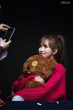 Nayeon, Kpop Girl Groups, Korean Girl Groups, Kpop Girls, Extended Play, Merry Happy, Myoui Mina, Twice Kpop, Japanese American