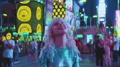 #FakeHappy || i liked Hayley's buI MEAN THE VIDEO, I TRULY LIKED THE VIDEO...