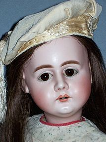 "29"" Elusive S &H 979 ~ All Antique, from FARAWAY ANTIQUE SHOP on Doll Shops United http://www.dollshopsunited.com/stores/faraway/items/1298718/29-Elusive-SH-979-All-Antique"