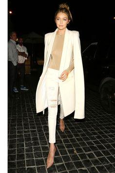 Who: Gigi Hadid What: A Major Cape Why: Nothing adds flair like a cape. Hadid we… Estilo Gigi Hadid, Gigi Hadid Style, Mode Chic, Mode Style, Trendy Fashion, Winter Fashion, Fashion Outfits, Trendy Style, Curvy Style