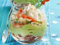 Christmas Verrine with shrimp and avocado - Cuisine - Quick Healthy Breakfast, Healthy Dinner Recipes, Cooking Recipes, Healthy Food, Fingers Food, Good Food, Yummy Food, Xmas Food, Antipasto