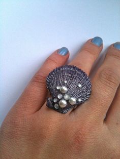 Little Mermaid inspired Shell RIng gotta have this!