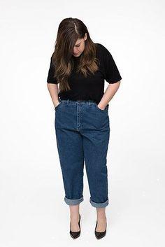 como usar mom jeans look trabalho plus size. como usar mom jeans. look trabalho. look com calça jeans. jeans estiloso. dica de moda. dica de estilo. como se vestir bem. look mulher moderna. jeans vintage.