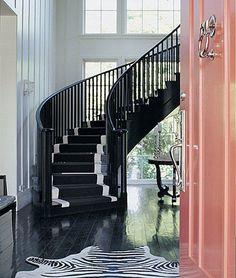 black staircase + pink front door + zebra rug in entryway amazing Design Entrée, House Design, Interior Design, Store Design, Interior Ideas, Interior Decorating, Decorating Ideas, Design Ideas, Black Staircase