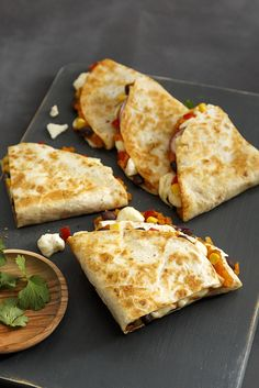 Quesadillas with beans, sweet potato and Fromagerie Roy Cheddar Vegan Sandwich Recipes, Veggie Recipes, Great Recipes, Vegetarian Recipes, Cooking Recipes, Favorite Recipes, Healthy Recipes, Sweet Potato Quesadilla, Cooking Cookies