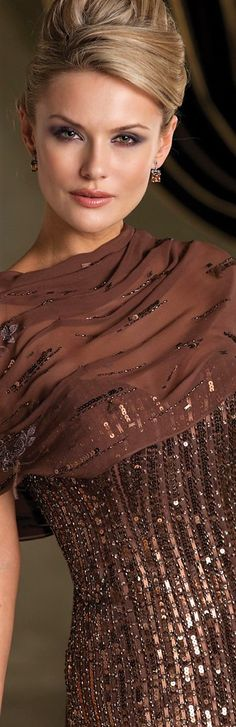 Ideas For Brunch Outfit Fall Brown Brunch Outfit, Brown Fashion, Winter Fashion, Couture Dresses, Evening Gowns, Fall Outfits, Shades, Clothes For Women, Ladies Clothes