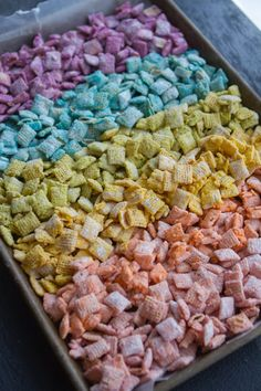 Rainbow Muddy Buddies The perfect and easiest sweet treat to make EVER Just pick up some colorful candy melts Chex and powdered sugar Thats all you need Youre only minutes away from sweet snack heaven. Puppy Chow Recipes, Chex Mix Recipes, Popcorn Recipes, Fun Recipes, Spring Recipes, Candy Recipes, Unicorn Birthday Parties, Unicorn Party, Birthday Ideas