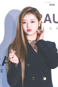 Oh My Girl Jiho, Oh My Girl Yooa, Girl Day, Kpop Girl Groups, Korean Girl Groups, Kpop Girls, Girl Crushes, Rapper, Ulzzang Korean Girl