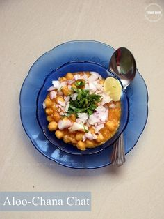 Aloo-Chana Chaat - Famous Indian chaat made with Potatoes and Chickpeas @ http://www.kitchenflavours.net/2014/09/rajitas-aloo-chana-chaat.html