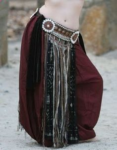 A tutorial on how to make this gorgeous tribal style bellydance belt.