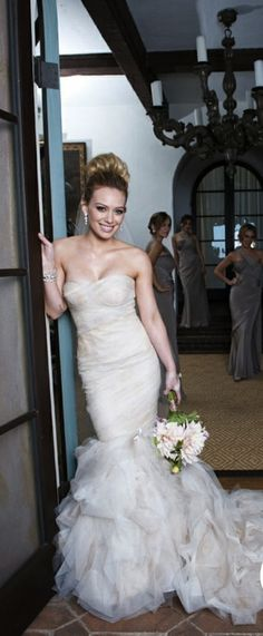 Actress Hilary Duff wore Vera Wang for her 2010 wedding to Michael Comrie, a retired Canadian professional ice hockey center.