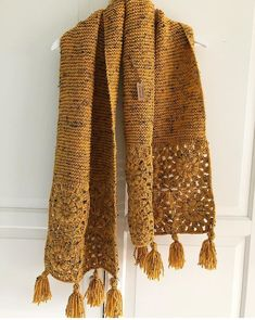 Ideas for the crochet knit scarf.I love projects using both knit and crochet Crochet Shawls And Wraps, Knitted Shawls, Crochet Scarves, Crochet Clothes, Knitting Stitches, Knitting Patterns, Crochet Patterns, Crochet Woman, Knit Crochet