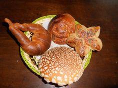 Recién salidos de nuestro horno, ricos panes al estilo @BarraVieja520: conchas, roles, cuernos, polvorones y empanochadas de jamaica Jamaica, Chicken, Ethnic Recipes, Food, Horns, Shells, Breads, Kitchen Stove, Style