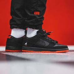 c5a0e759ec3cd Jeff Staple x Nike SB Dunk Low