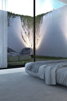 What a charming private courtyard right off the bedroom / found on minimalisme