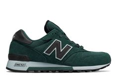 New Balance Men's Low-Top Sneakers. New Balance Blue 420 Trainers.Brand New and Genuine. We are an authorised seller of New Balance. Vans Sneakers, Casual Sneakers, Casual Shoes, Men Casual, New Balance, Fashion Ideas, Men's Fashion, Sports Footwear, Guy Stuff