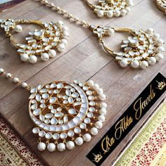 Ra-Abta Jewels has crafted an exclusive collection of Be-jewelled Rakhis this year, which is re-defining the traditional rakhi! Tikka Jewelry, Indian Jewelry Earrings, Indian Wedding Jewelry, India Jewelry, Bridal Jewelry, Jewelery, Indian Bridal, Tikka Designs, Indian Accessories