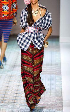 http://fashionblogofmedoki.blogspot.be/2013/11/stella-jean-le-defile-printemps-ete.html