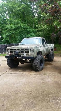 Chevy Jacked Up Chevy, 87 Chevy Truck, Chevy 4x4, Old Pickup Trucks, Lifted Chevy Trucks, Hot Rod Trucks, Gm Trucks, Jeep Truck, Chevrolet Trucks