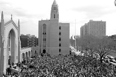 On April a huge crowd gathered at Marsh Plaza for a memorial service for Martin Luther King, the day after he was slain. Martin Luther King Day, Slay, Crowd, The Past, History, Building, Places, Travel, Historia