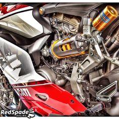 Ducati 1199 details. (docgb / redspade racing facebook)
