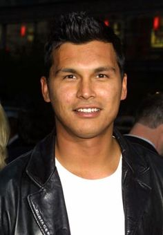 Adam Beach, born November 1972 Ashern, Manitoba, is a Canadian actor. I met handsome Mr Adam Beach in May 2014 in Fort St John! Native American Actors, American Indians, Beautiful Soul, Beautiful People, Mr Adams, Adam Beach, Great Smiles, Nicolas Cage, Face Off