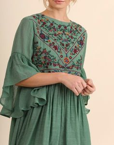 Boho Babe Floral Embroidered Kelly Green Swing Dress - Graduation Fashion: Dress For Graduation embroidery sweets embroidery inspiration embroidery beautiful Kelly Green, Boho Fashion, Fashion Dresses, Indian Fashion, Casual Dresses, Short Dresses, Embroidery Dress, Boho Embroidered Dress, Moda Vintage