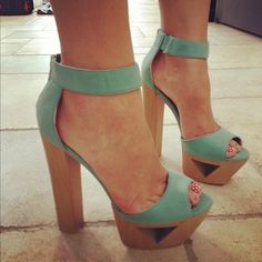 There are 3 tips to buy shoes, cut out platform, mint, high heels, baby blue. Dream Shoes, Crazy Shoes, Me Too Shoes, Buy Shoes, Pretty Shoes, Beautiful Shoes, Mint High Heels, Heeled Boots, Shoe Boots