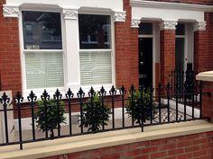 Gardening – Gardening Ideas, Tips & Techniques Victorian Front Garden, Victorian Terrace, Garden Design London, London Garden, Edwardian House, Victorian Homes, Terrace House Exterior, Victorian Mosaic Tile, Wall Railing